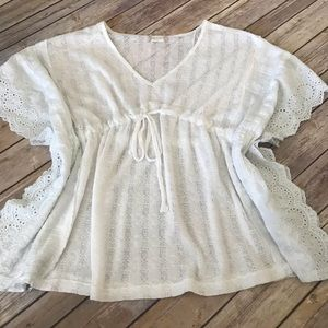 4/$25 Altrd  State batwing eyelet and lace top